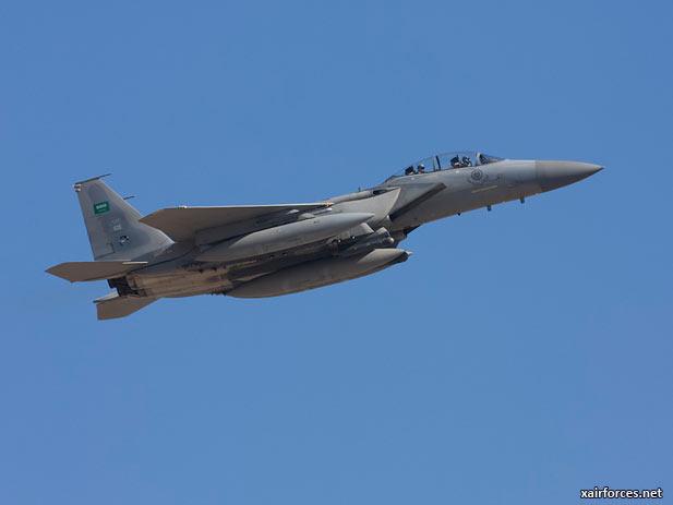 الموسوعه الفوغترافيه لصور القوات الجويه الملكيه السعوديه ( rsaf ) - صفحة 6 Royal-Saudi-Air-Force_F-15C-Eagle_121212
